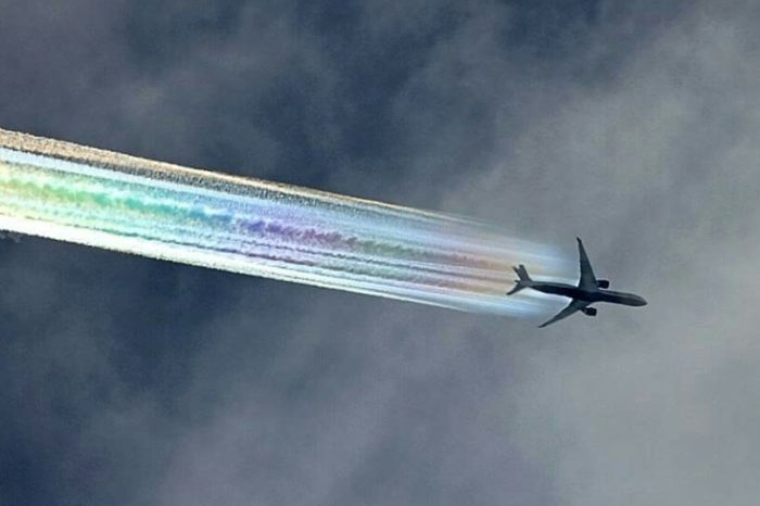 Chemtrailing - Airplanes Could Spray Particles into the Atmosphere to Battle Climate Change