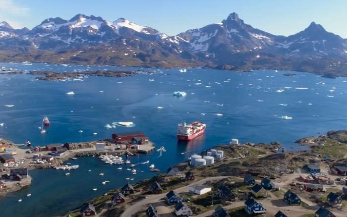 Greenland ice melt reaching 'tipping point,' study finds