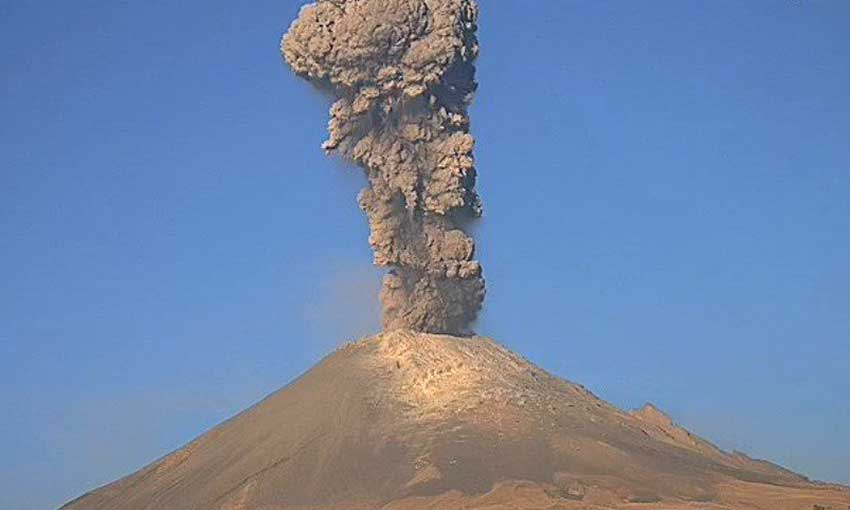 Strong Eruption at Popocatepetl Volcano, Ash to 32,000 ft