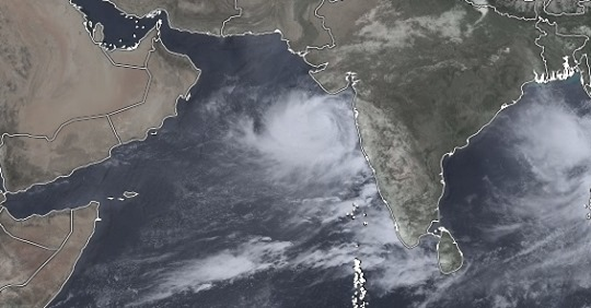 "300,000 Evacuating ahead of Tropical Cyclone ""Vayu"" The Strongest Storm since 1998 to hit India"