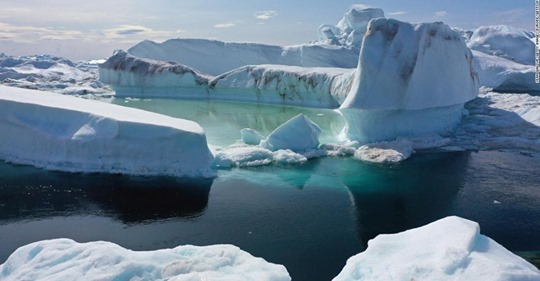 Greenland's ice sheet just lost 11 billion tons of ice in one day