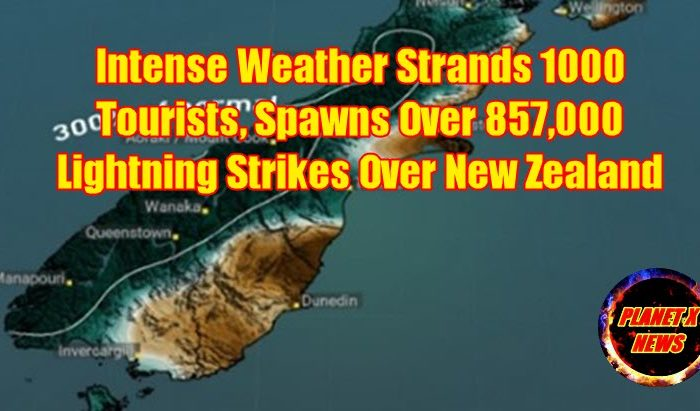 Intense Weather Strands 1000 Tourists, Spawns Over 857,000 Lightning Strikes Over New Zealand
